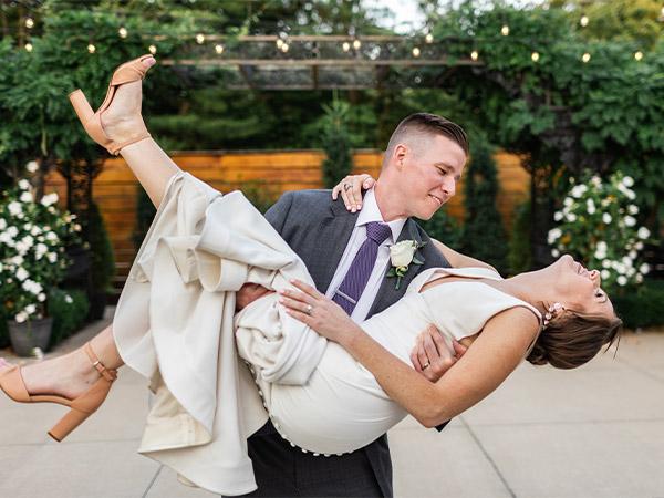 Wedding Couple Receptions Marriage in Columbus Ohio